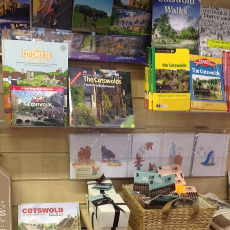 Chipping Campden, UK: Plenty of friendly advice and information, leaflets, maps and books available.