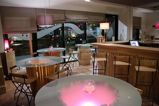 L'Epicerie Comptoir - Grenoble Europole: by night