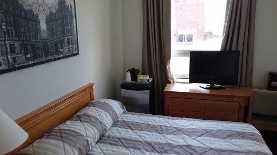 Hotel Y Montreal Image