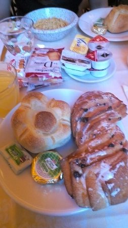 Hotel Cambridge: Breakfast