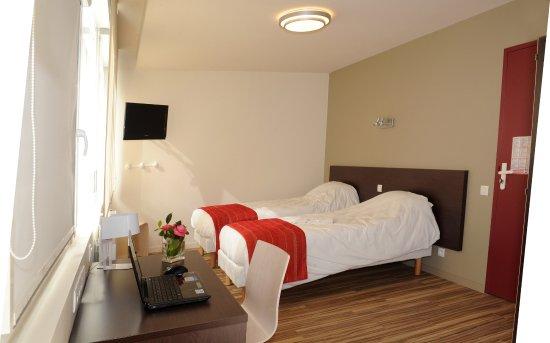 grande salle s minaire picture of centre de keraudren. Black Bedroom Furniture Sets. Home Design Ideas