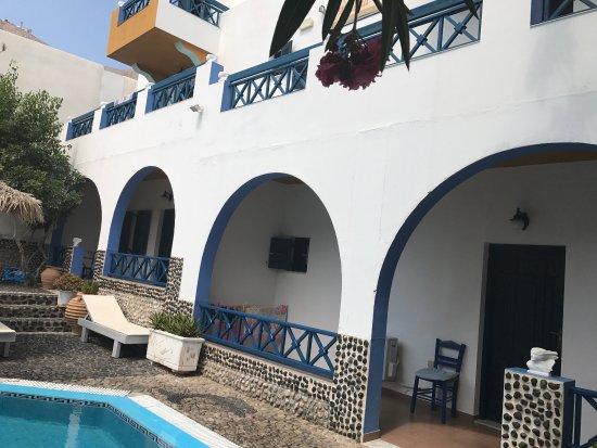 Athina Apartments Santorini Perissa Specialty Hotel
