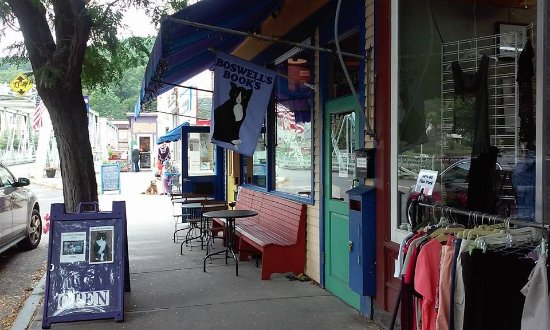 Shelburne Falls, MA: The shop exterior.