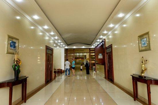 Juliana Hotel: 호텔 로비