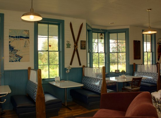 Chatham, MI: This is the interior of our coffee shop, showing where the old Western Union office window is.