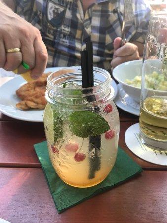 Taufkirchen, Γερμανία: Limo: Basilikum-Limette