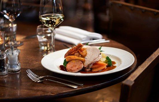 Edenbridge, UK : Great British Sunday Roast at The Wheatsheaf