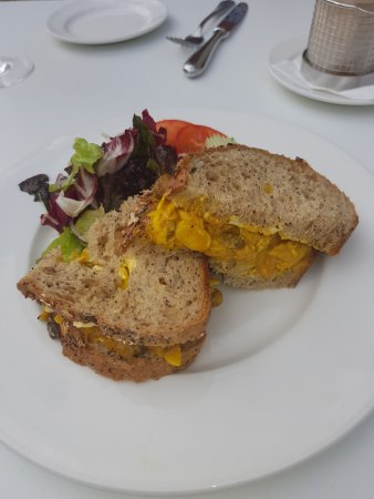Rudding Park Hotel: Delicious Coronation chicken sandwich.