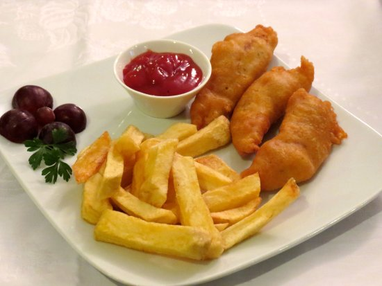 The Blue Beetroot Hotel: Children's Menu - Chicken Nuggets with Chunky Chips (fries)