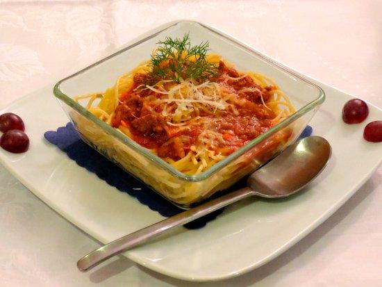 The Blue Beetroot Hotel: Children's Menu - Spaghetti Bolognese