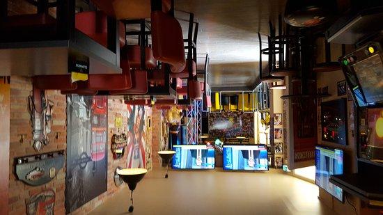 Oranienburgerstrasse: Sportsbar Pub & BVB on this street.
