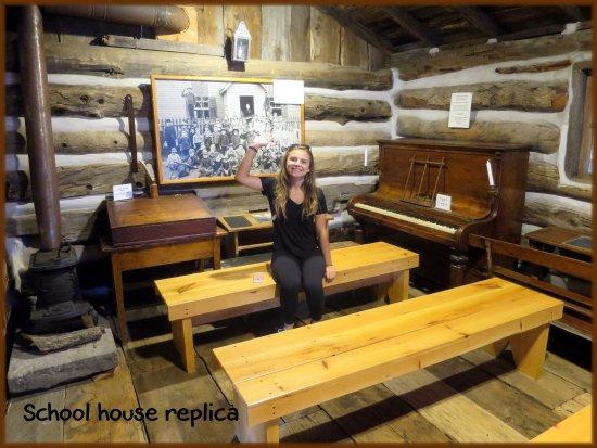 Merrickville, كندا: Lower floor school house replica