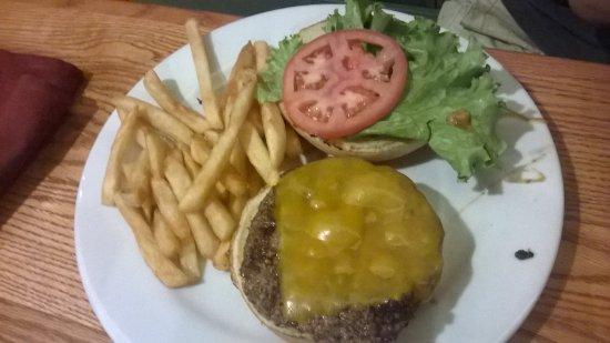 Toll Road Restaurant: hamburger