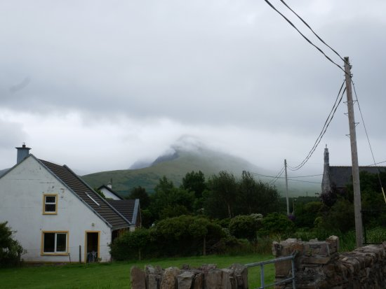 Cloghane, Ireland: Walking into Clohagne from souther shoulder of Brandon Mt.