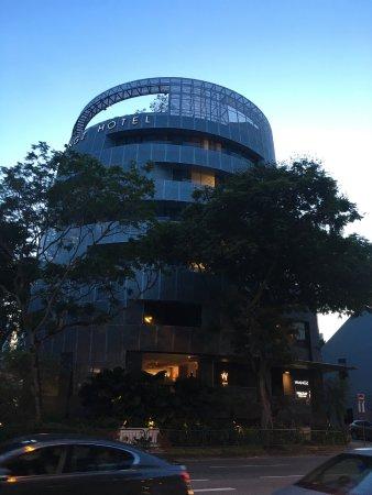 Wangz Hotel: 外観、丸いホテルです