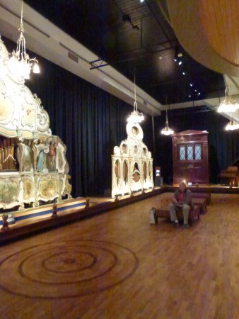 Museum Speelklok: The museum hall with the large organs