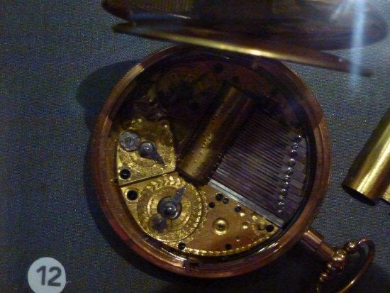 Museum Speelklok: A pocket watch with music