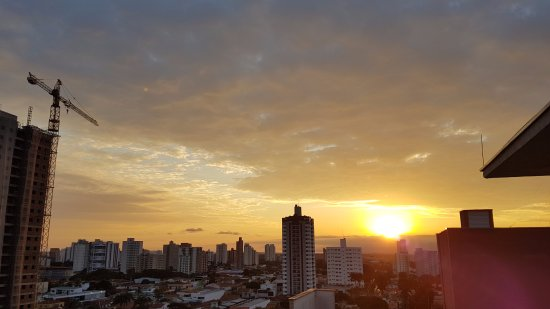 Arco Hotel Piracicaba: view from the rooftop (pool area) - Sunset
