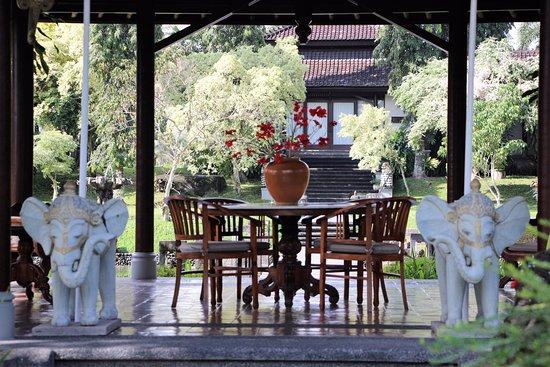 The Chedi Club Tanah Gajah, Ubud, Bali – a GHM hotel: Une table intimiste
