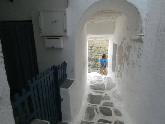 Blue Water Sailing Greece: Explore and let yourself amazed by the traditional architecture