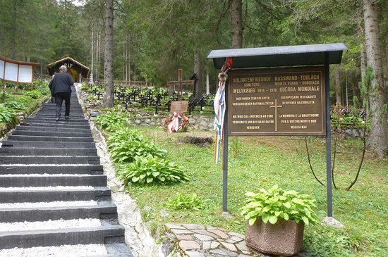 San Candido, إيطاليا: Il cimitero di guerra