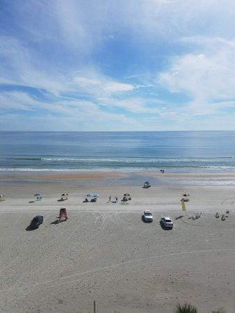 Days Inn Daytona Oceanfront: View when we woke up in the morning