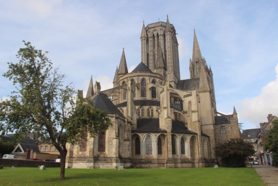 Cathédrale de Coutances : comme posée parmi nous dans sa force et sa délicatesse