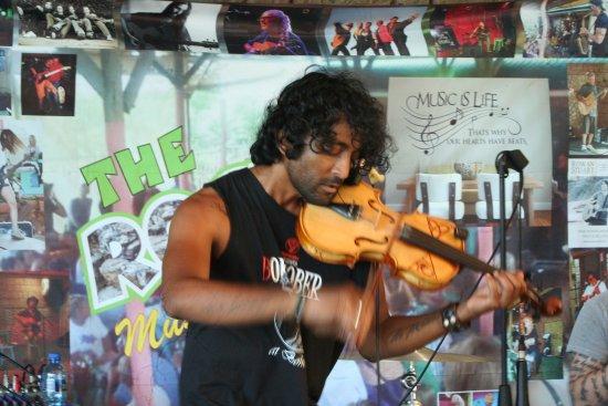 The Rock Music Bistro: The Incredible crazy, amazing violinist Hezron Chetty