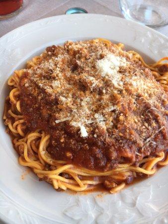 Ristorante Ferretti Pineto: Chitarrini al ragu' abruzzese