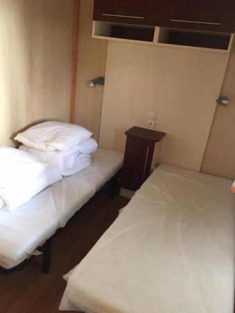 Pierrefitte sur Sauldre, França: Chambre enfants (deux lits)