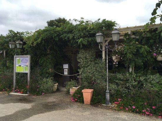 Pierrefitte sur Sauldre, França: le restaurant (excellent avec un personnel au top)