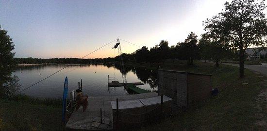 Pierrefitte sur Sauldre, Frankrijk: Vue sur le lac