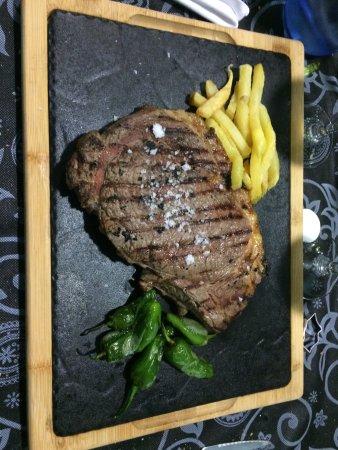 Los Fogones: Nuestras carnes a la brasa