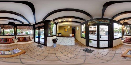 Hotel Riviera del Sol: vista 360 de la recepcion del hotel.