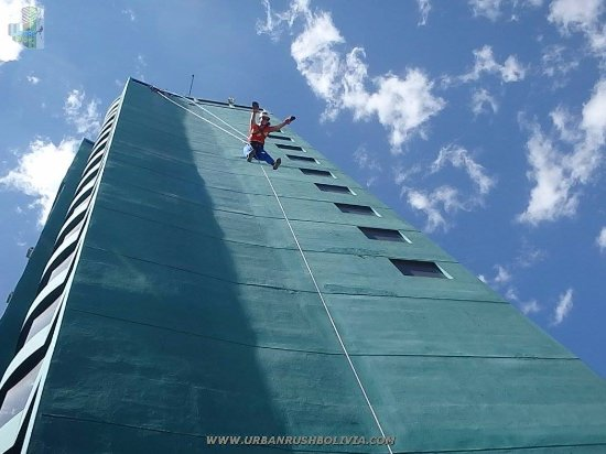 Urban Rush Bolivia : Free fall!