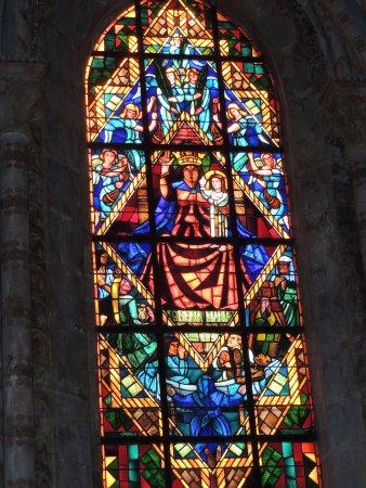 Catedral de Lausanne: Vetrata con Madonna col Bambino
