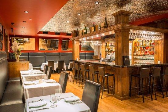 The Restaurant at White Buffalo Club : Vintage Chicago Steakhouse Feel