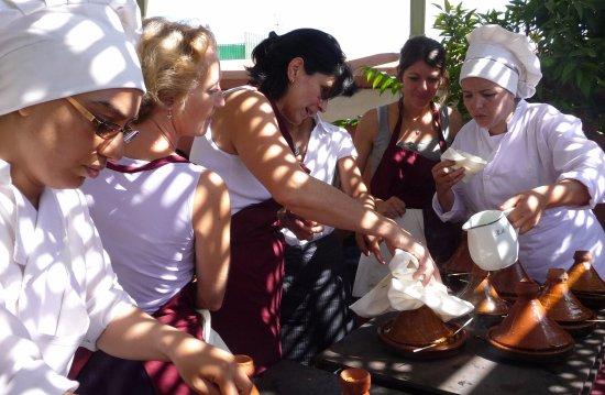 MarrakChef - Cours de cuisine marocaine du Riad Monceau