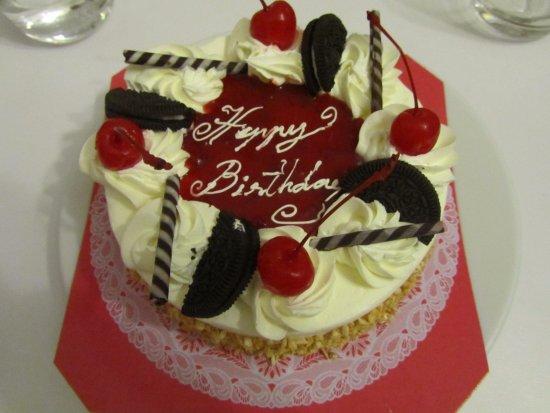 Pinnacle Grand Jomtien Resort: Mon gateau d'anniversaire surprise !!