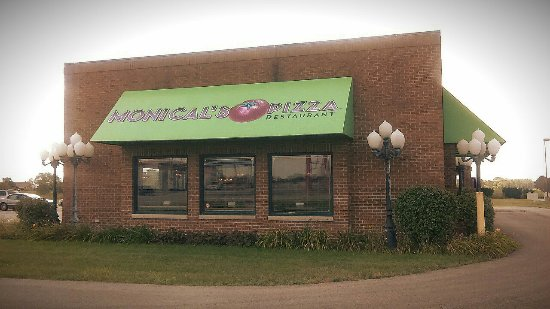 Gilman, IL: Monical's Pizza