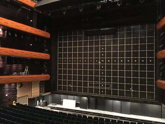 Copenhagen Opera House: Auditorium mit eisernem Vorhang