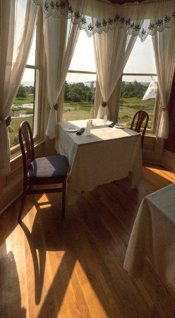 St. Martins Country Inn: Bayview Dining
