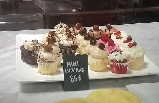 Love at First Bite: Mini cupcakes