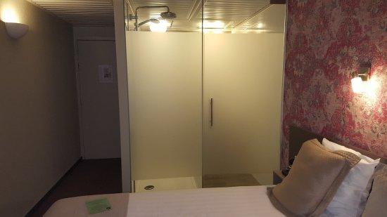 Hotel Leopold Brussels: Praticamente in camera