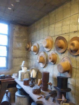 Mercer Museum: Hatmaker's shop