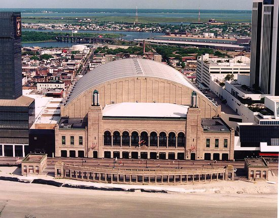 ‪Boardwalk Hall‬
