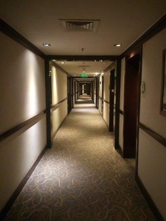 Vivanta by Taj - Trivandrum: the corridor of the hotel