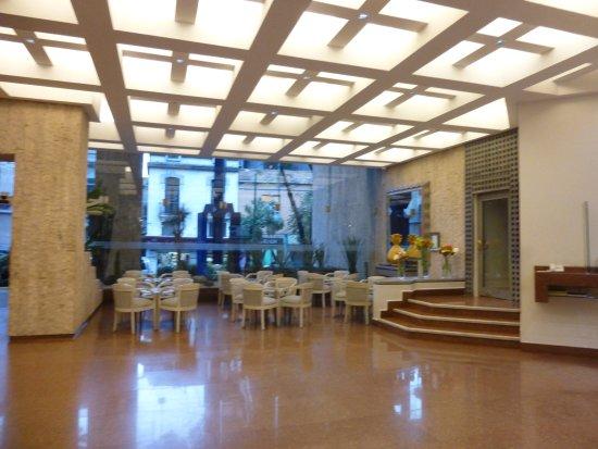 Hotel Royal Reforma: ロビー付近