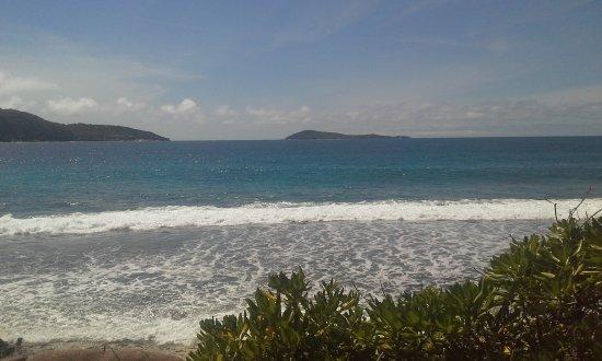 La Villa Therese Holiday Apartments: Blue ocean