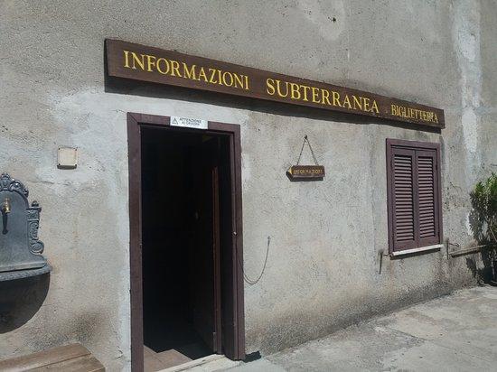 Narni, Ιταλία: 20170830_120234_large.jpg